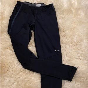 Nike dry fit XS thermo leggings